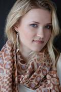 http://img241.imagevenue.com/loc154/th_87990_Emily_Osment_Photo_Session_at_P3R_Publicity_Offices22_122_154lo.jpg