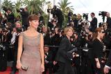 Канны (Annual Cannes International Film Festival ) - Страница 2 Th_91559_Celebutopia_NatalieImbruglia_RobinHoodpremiereatthe63rdAnnualCannesFilmFestival_02_122_193lo