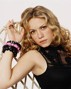 http://img241.imagevenue.com/loc248/th_49134_OTH_season3_Bethany_Joy_Galeotti2_122_248lo.jpg