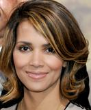 th_62873_Halle_Berry_2009_Jenesse_Silver_Rose_Gala_Auction_in_Beverly_Hills_40_122_394lo.jpg