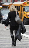 Jane Krakowski picks up packages from Something Special in New York City, Dec 15, 2009 - 23HQ